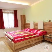 schlafzimmer-satin-nuss-grieskirchen-2.jpg