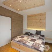 zirbenbett-zirbenholzschlafzimmer-lambach-3.jpg