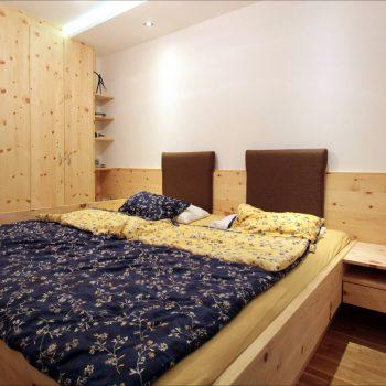 zirbenholz-schlafzimmer-linz-1.jpg
