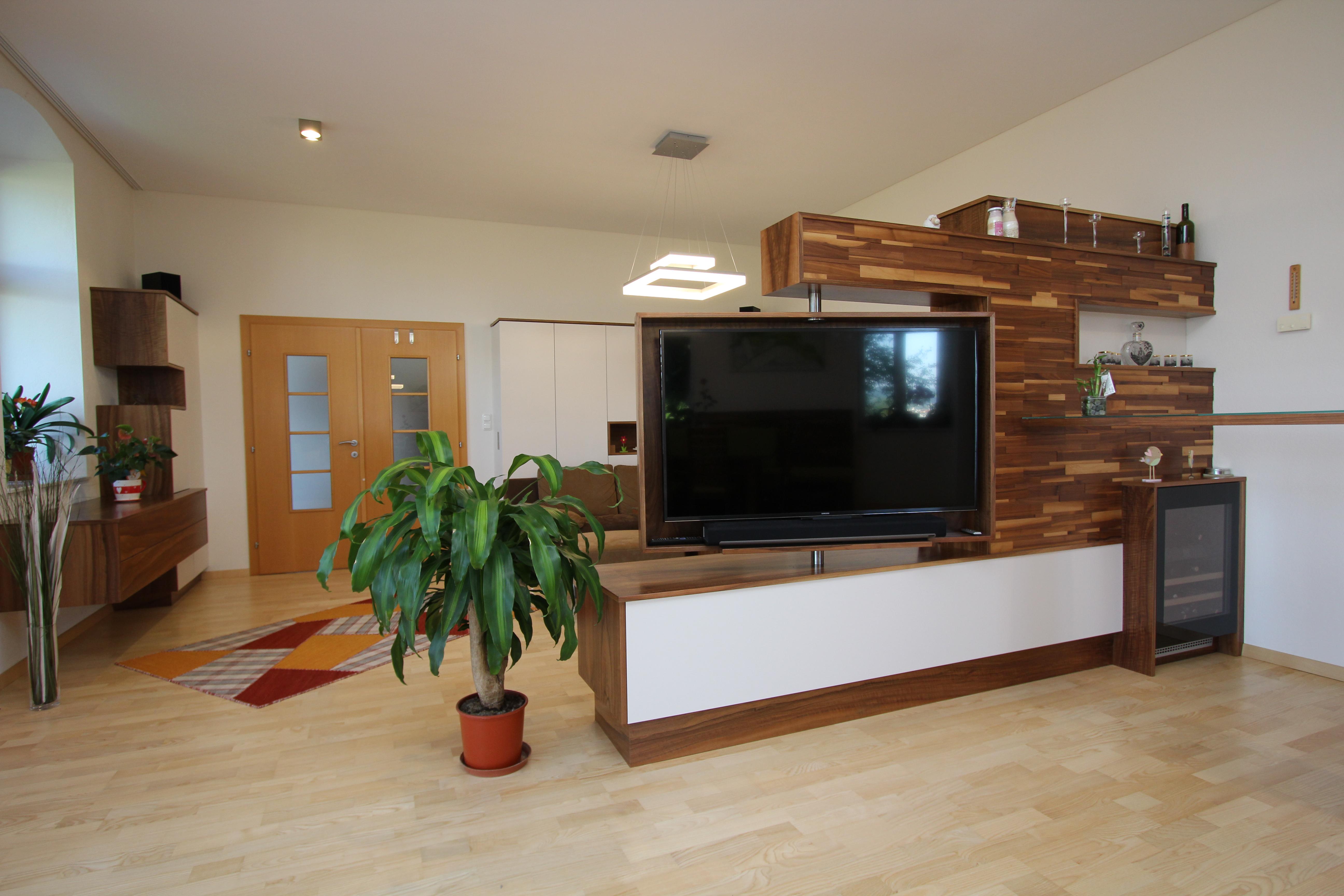fernseher im wohnzimmer beamer oder fernseher oder beides wohnzimmer ideen fernseher. Black Bedroom Furniture Sets. Home Design Ideas