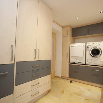 vorraum-wels-waschraum-waschmaschine-funktionell-1.jpg