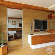 wohnzimmer-schrankverbau-altholz-fichte-grieskirchen-drehbarer-fernseher-2.jpg