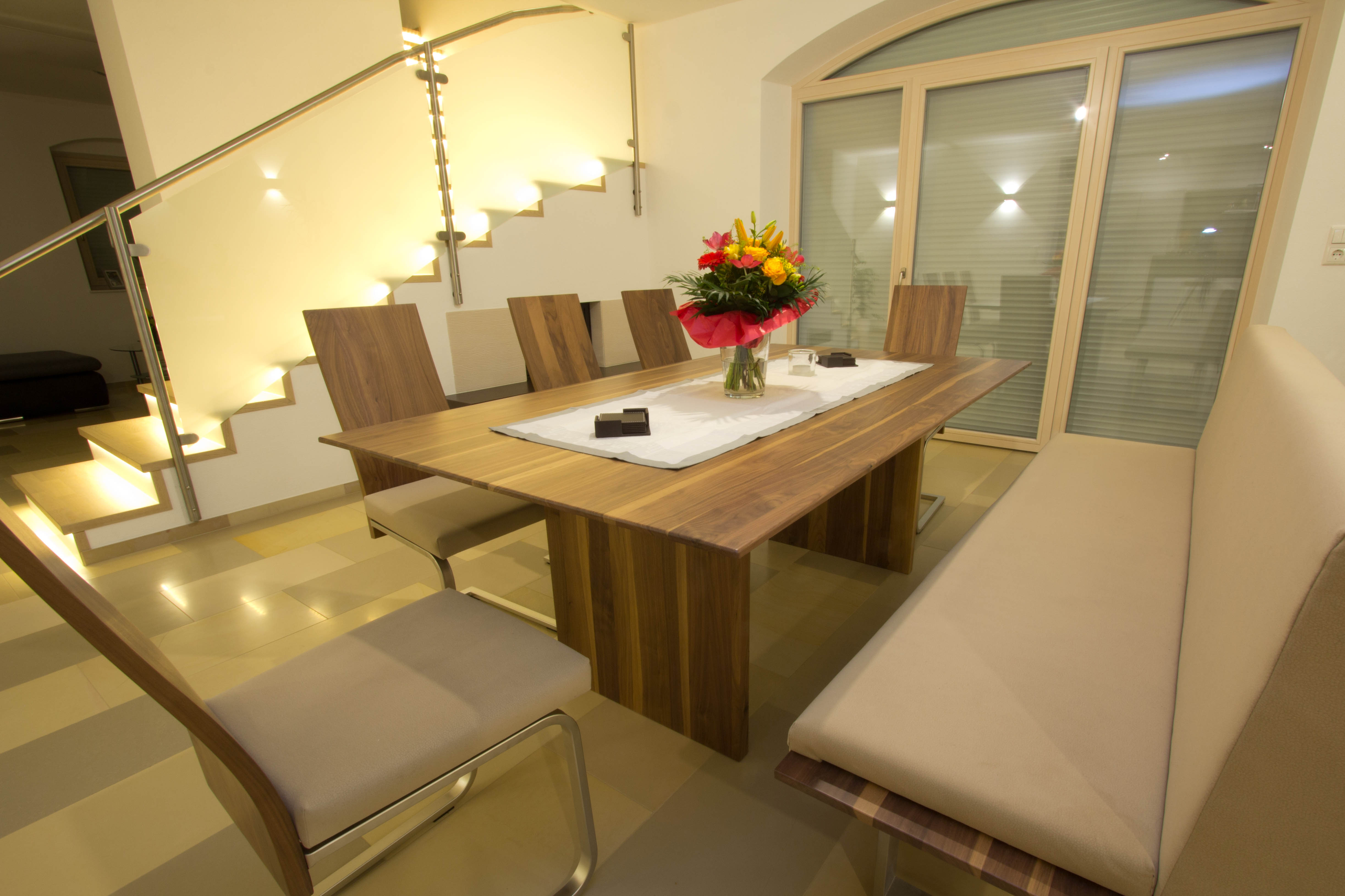 Modern Diner Sitzgruppen : Sitzgruppe massivholz nuss tischler grieskirchen